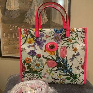 New Gucci flora top zip tote